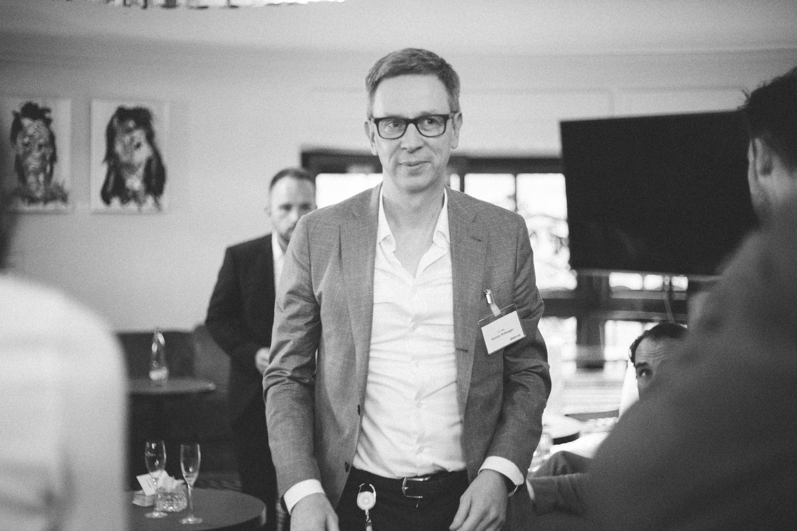 """Stromberg meets Silicon Valley"": ottonova-Gründer Roman Rittweger im FinanceFWD-Podcast"