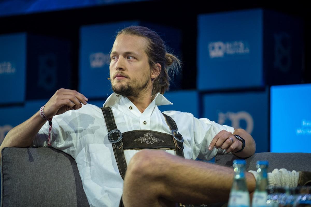"""""""Ich hatte die Schnauze voll von Hypergrowth-Startups"""" –der Monzo-Gründer Jonas Templestein im FinanceFWD-Podcast"""