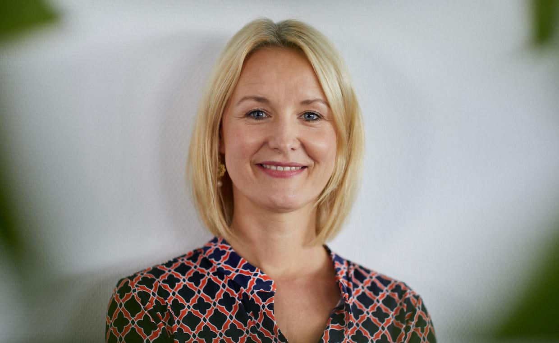 """""""Alle haben gesagt: Das geht auf keinen Fall"""" –Joonko-Chefin Carolin Gabor im FinanceFWD-Podcast"""