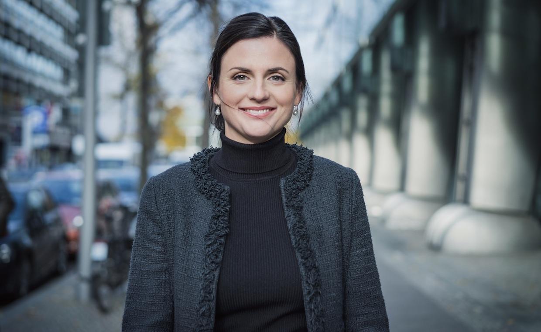 """""""Unser Finanzsystem ist auf fragilem Fundament gebaut"""" – Blockchain-Expertin Katharina Gehra im FinanceFWD-Podcast"""