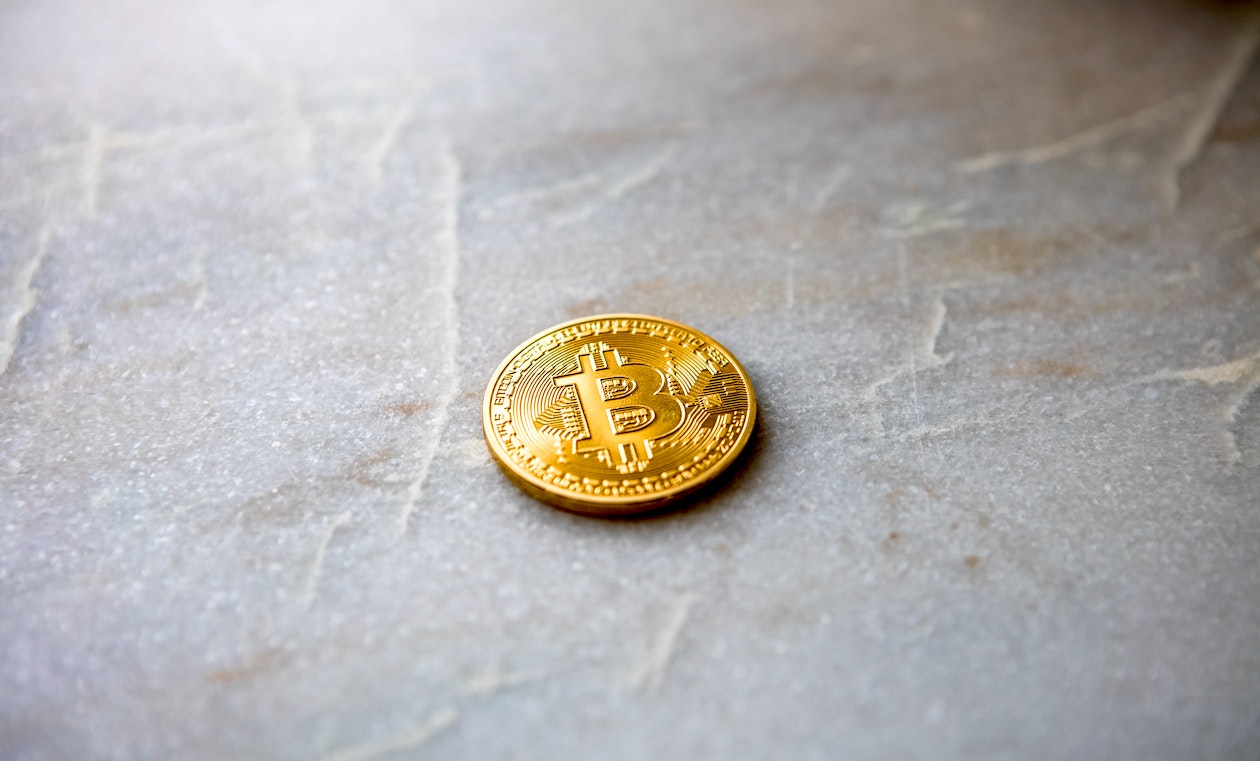 """Ist Bitcoin wirklich """"digitales Gold""""? Die Corona-Krise weckt daran Zweifel   FinanceFWD"""