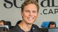 """""""Man saß da schon auf einem hohen Ross"""" – Scalable-Gründer Erik Podzuweit im FinanceFWD-Podcast"""